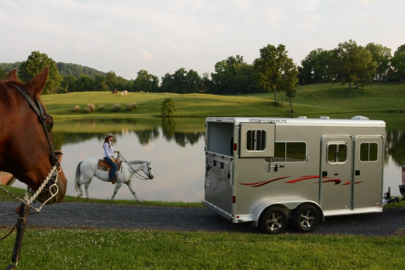 featherlite 9407 scenic view with horse and trailer